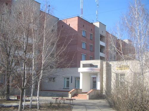 При академії діє санаторій-профілакторій на 120 місць, 21 лікувальний кабінет, їдальню для слухачів курсів на 80 місць та гуртожиток на 70 місць.